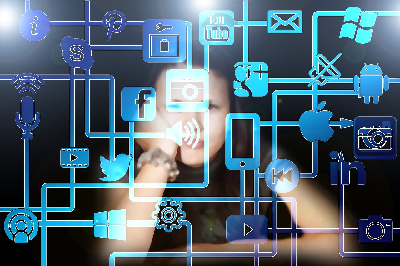 Tamagotchi-Gestures-and-UX-Design.jpg